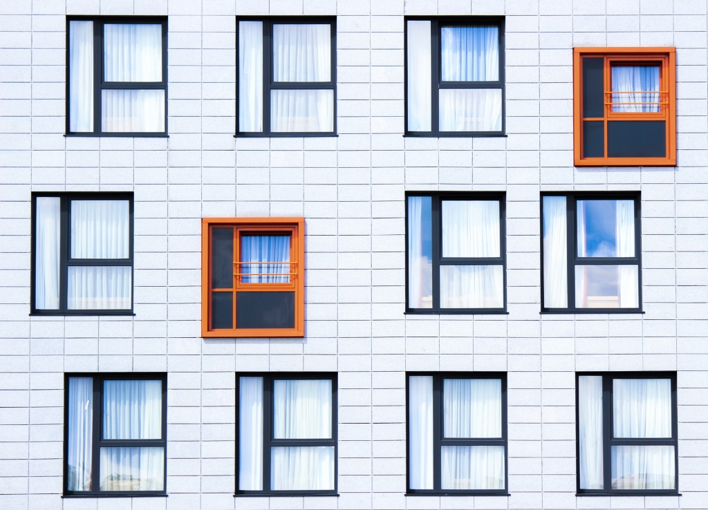 many windows